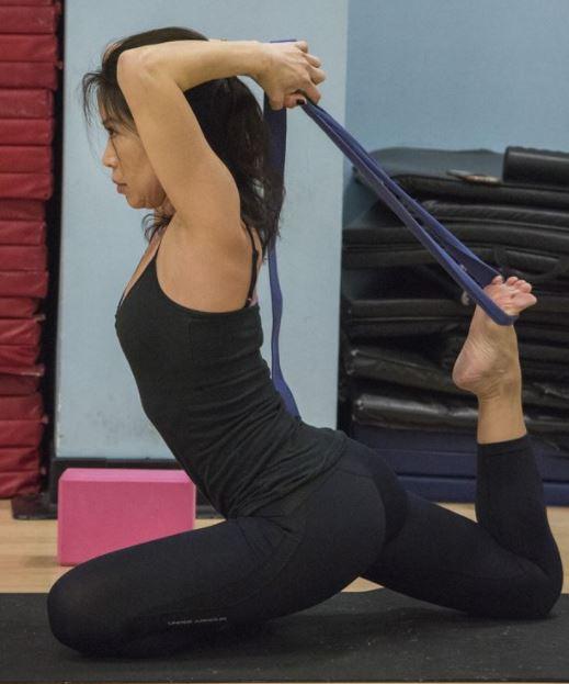 iyengar-yoga-ropes-props-flexibility
