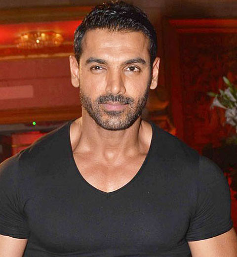 john-abraham-latest-bollywood-hairstyles-for-men