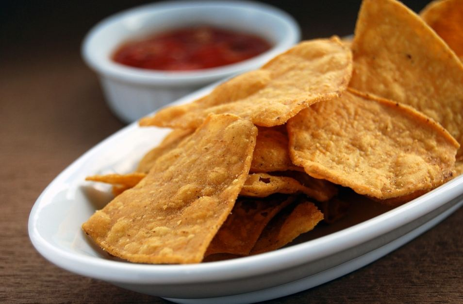mexican-food-cuisine-salsa-sauce-nachos-pita-chips