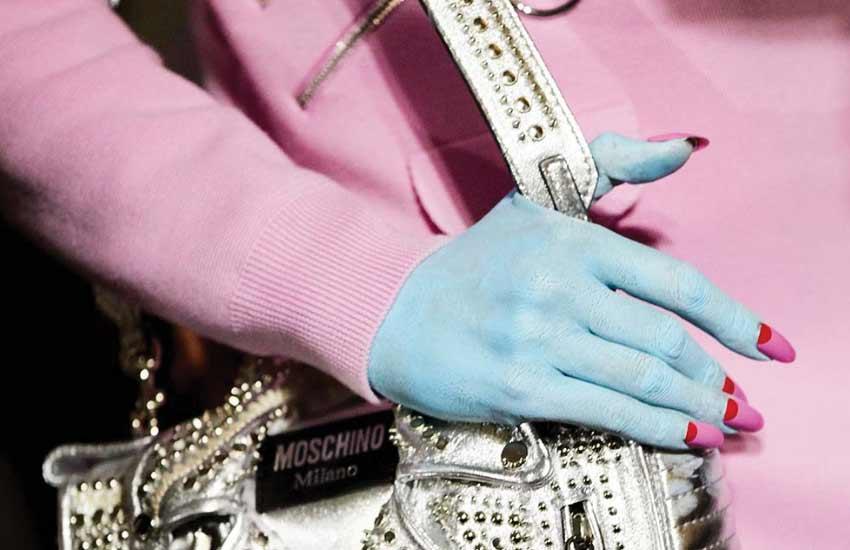 moschino-fw-2018-fashion-show-runway-beauty-makeup-nails