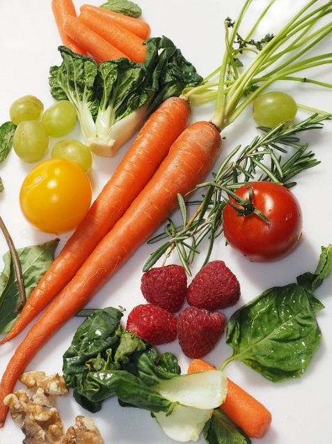 natural-healing-foods-organic-healthy-vegetables-fruits-holistic-well-being