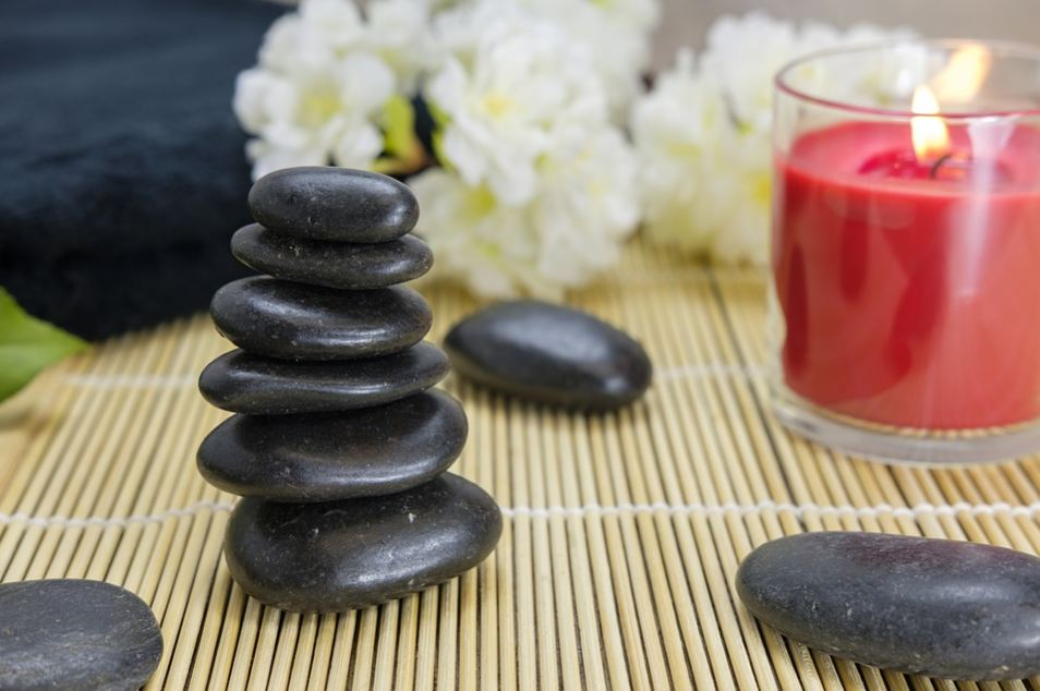 natural-healing-methods-chinese-culture-tai-chi-crystals-stones