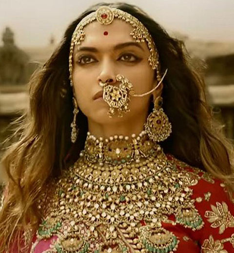 padmaavati-deepika-padukone-latest-wedding-hairstyles-trends-bollywood-indian-movies