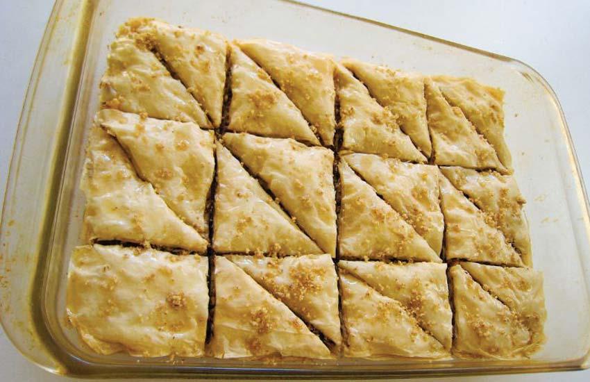 traditional-greek-cuisine-greece-food-recipe-desserts-baklava-phyllo-pastry