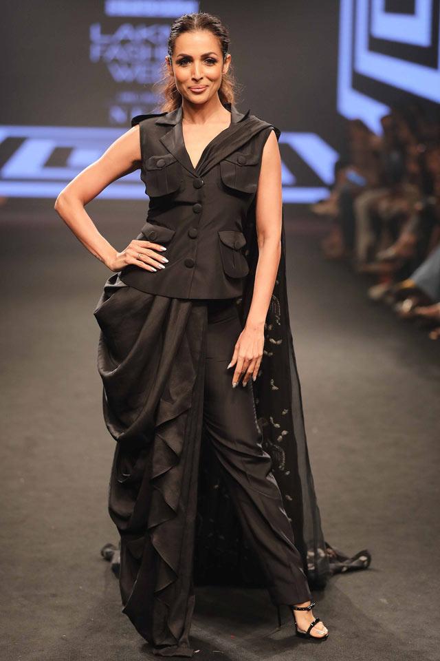 Malaika-Arora-for-the-Daze-collection-by-Nancy-Luharuwalla-at-Lakme-Fashion-Week-Summer-Resort-2018