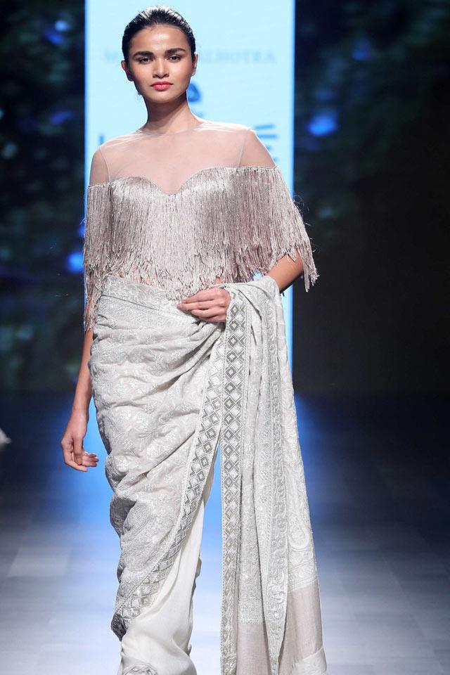 Manish-Malhotra-unveils-Inaya-made-using-Merino-wool-in-collaboration-with-The-Woolmark-Company-at-LFW-SR-18-(4)