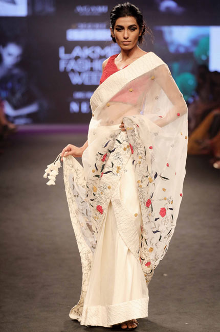 Neha-Agarwal's-Lost-in-the-woods-collection-at-Lakme-Fashion-Week-Summer-Resort-2018