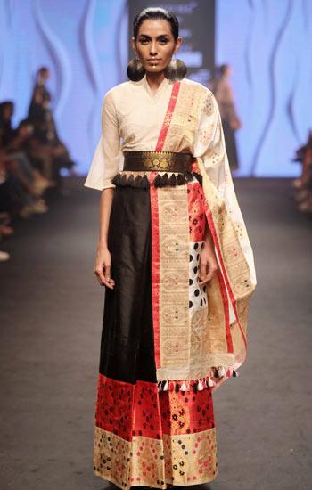 Sanjukta-Dutta's-collection-at-Lakme-Fashion-Week-Summer-Resort-2018