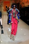 dolce-and-gabbana-fall-winter-2018-19-women-fashion-show-runway-fw18 (28)-cropped-pants