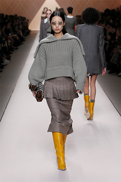 fendi-fall-winter-2018-collection-fw18 (26)-cropped-grey-sweater