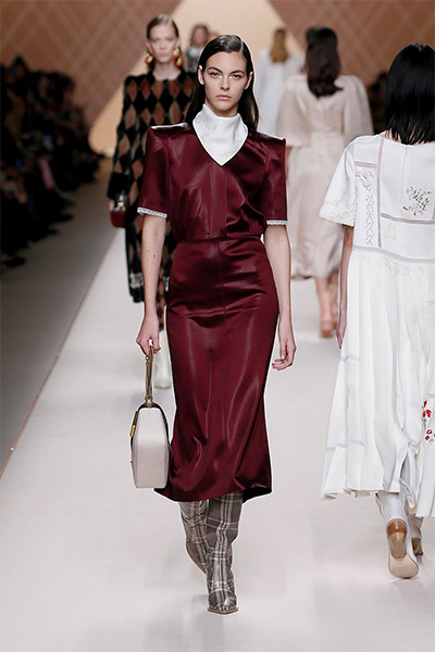 fendi-fall-winter-2018-collection-fw18 (41)-red-midi-dress-boots