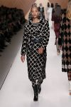 fendi-fall-winter-2018-collection-fw18 (43)-geometric-print-belted-coat
