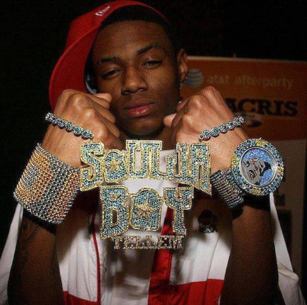 hip-hop-jewelry-rapper-bling (3)-colored-diamonds-soulja-boy-customized-pendant-chain