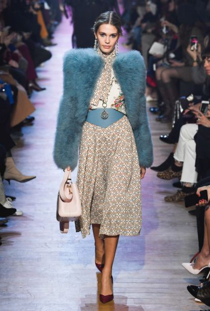 jacket-designs-fall-2018-exaggerated-shoulder-pads (18)-cropped-fur