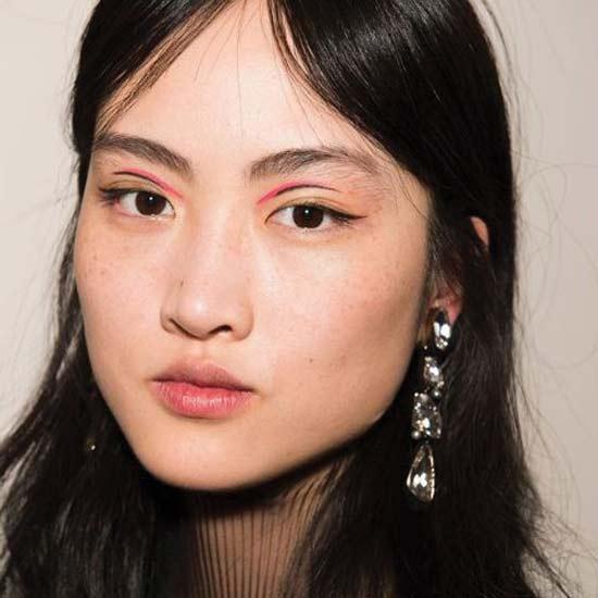 jason-wu-fall-2018-runway-makeup-hairstyles-colorful-eyeliner