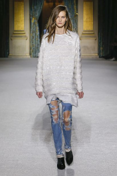 latest-cool-jeans-styles-trends (6)-ripped-balmain