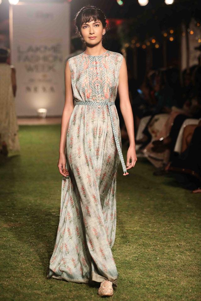 05556e075cfb Latest Indian Dresses for 2018 | Designer Dress Trends