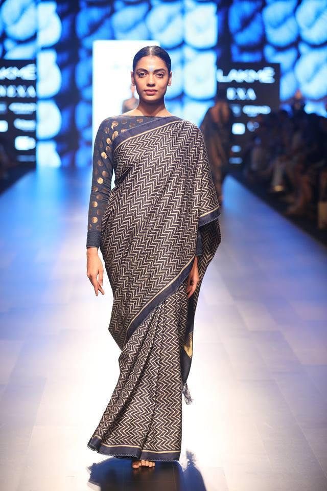 latest-saree-trends-designs-indian-designer-Gaurang -high-neck-summer-2018