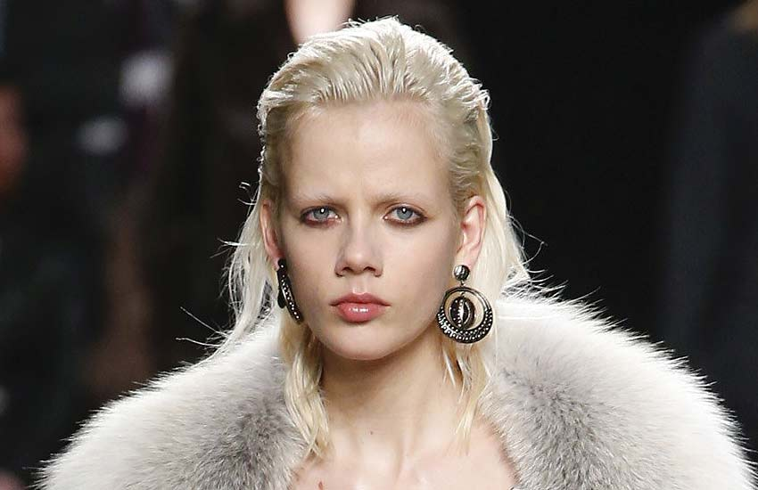 roberto-cavalli-unique-makeup-hairstyles-runway-looks-slicked-wet-hair