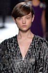 top-hairstyle-trends-ideas-style-fashion-designer-christopher-kane-pixie-cut-fall-2018-rtw