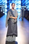 top-indian-dresses-trend-indian-designer-Gaurang-lfw-2018