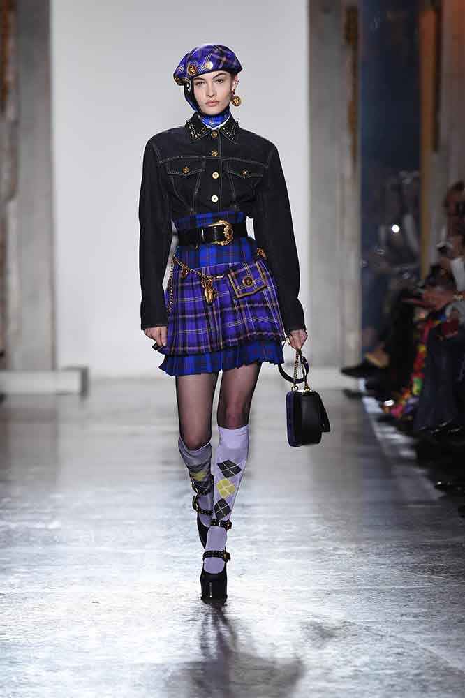 versace-fall-2018-fw-18-collection (11)-pleated-plaid-skirt