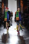 versace-fall-2018-fw-18-collection (27)-colorful-sneakers-beret