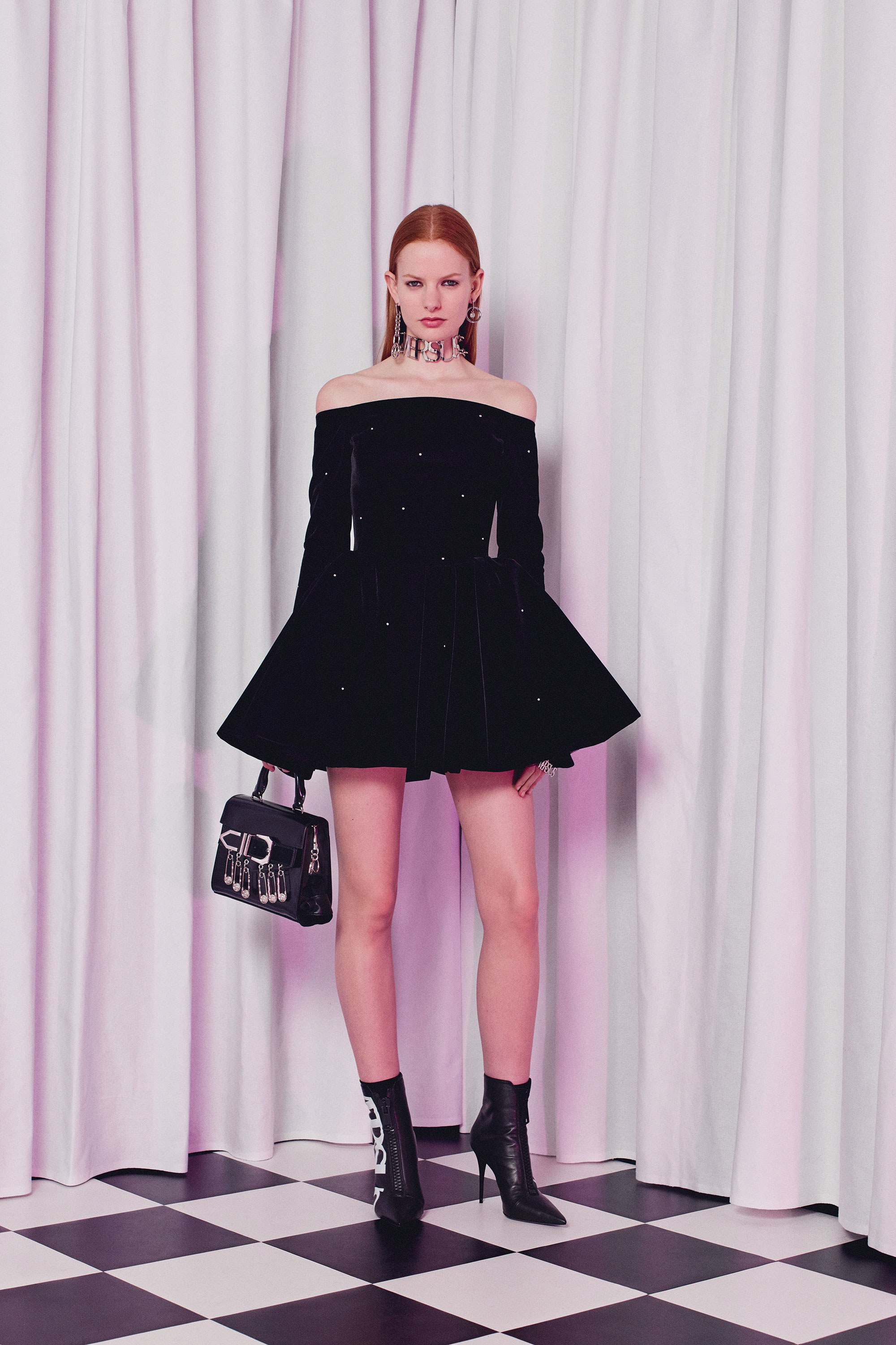 versus-versace-three-dimensional-couture-dresses-fw18-style