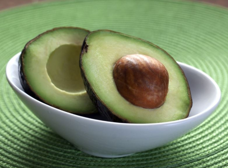 10-avocado-hair-mask-for-reverse-hair-loss