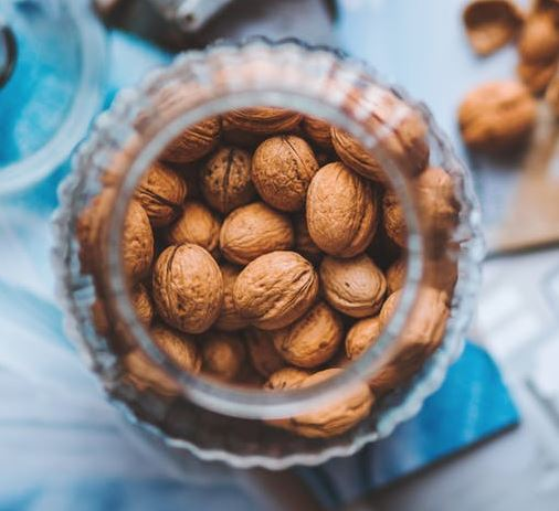16-walnuts-food-for-hair-growth