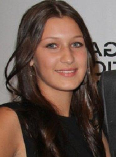 Bella-Hadid-Before-Plastic-Surgery-photos-nose-job-rhinoplasty