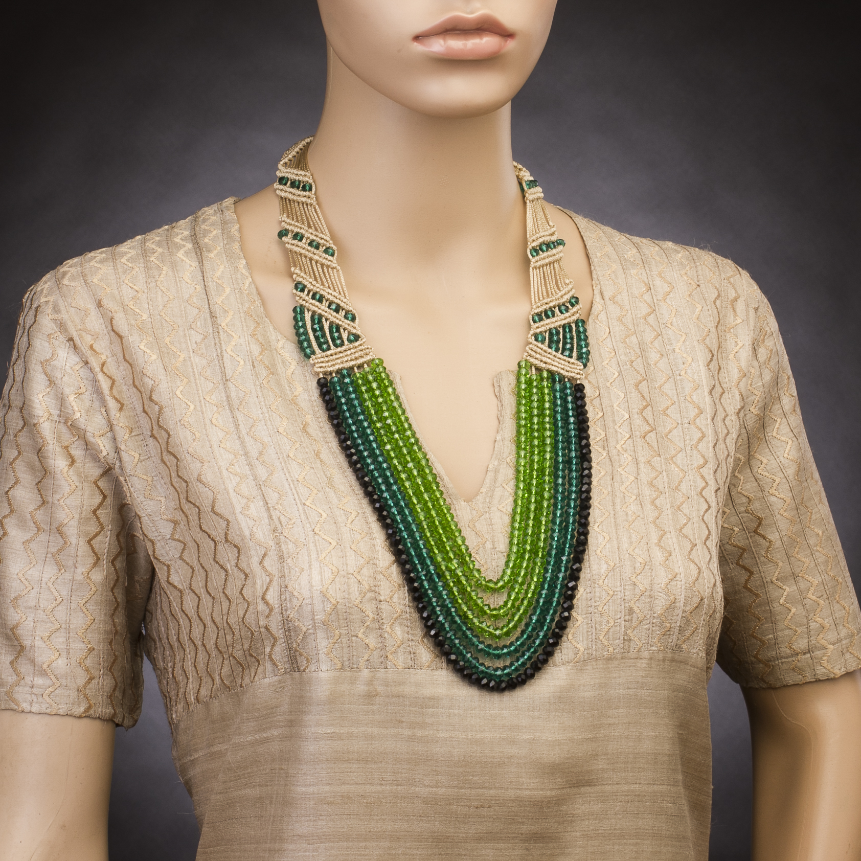beyond-gallery-ethnic-wear-fashion-style-dresses (10)-indian-accessories