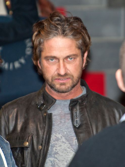 famous-recovering-alcoholics-celebrity-addicts (15)-gerard-butler