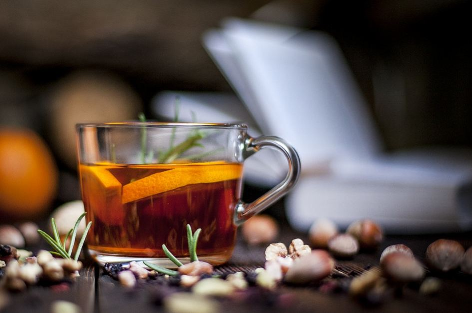 fresh-ginger-tea-health-benefits-homemade-recipes (12)-infused-herbal-drink