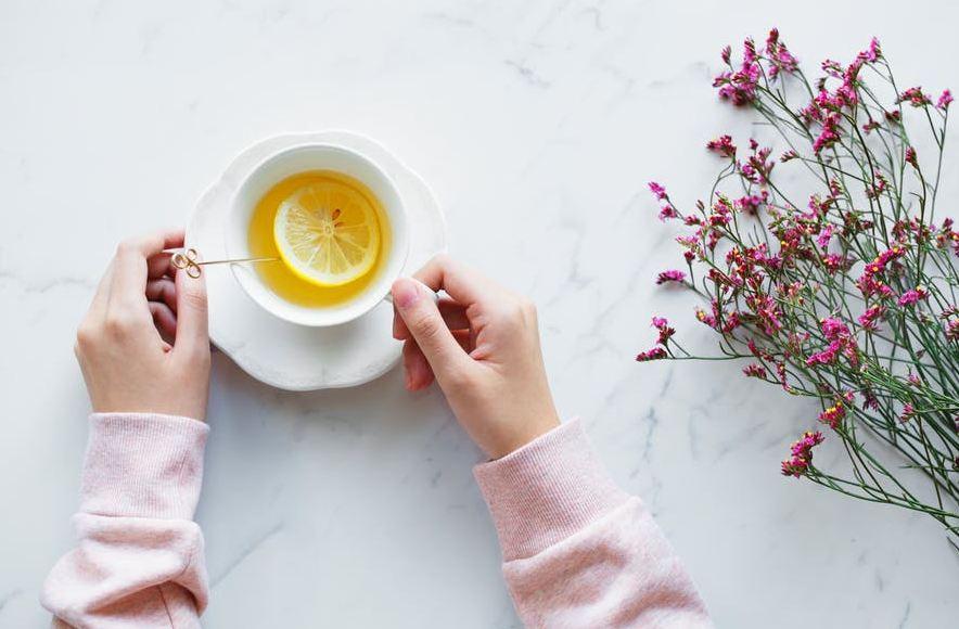 ginger-tea-health-benefits-homemade-recipes (13)-herbal-infused-lemon
