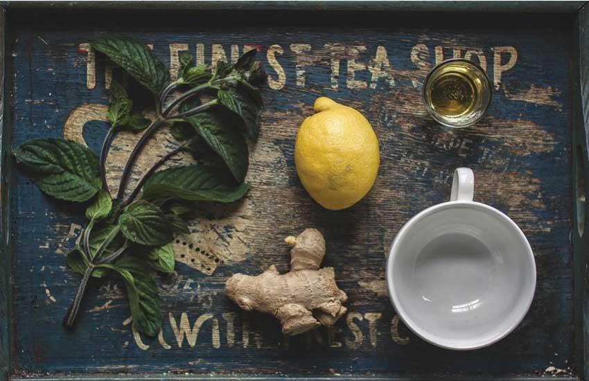 hot-ginger-tea-health-benefits-homemade-recipes-(16)-lemon-honey-drink