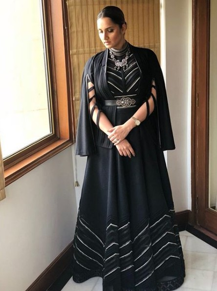 latest-ethnic-dresses-celeb-sania-mirza-sprin g-summer-2018