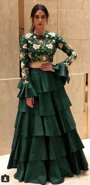 latest-ethnic-dresses-tiered-lehenga-spring-summer-2018-celeb-aditirao hydari