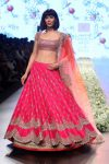 latest-lehenga-trends-designs-indian-designer-anushree-reddy-layered-lehenga-lfw-2018