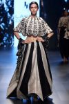 latest-lehenga-trends-desll-2018igns-indian-designer-jayanthi-reddy-f