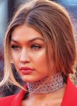 latest-lipstick-trends-ideas-celeb-gigi-peachy-pink-lip-color-how-to-summer-2018