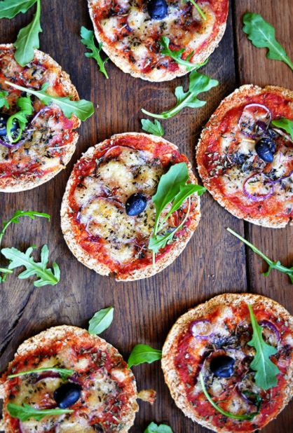 pita-pizza-main-dishes-greek-cuisine-food-recipes