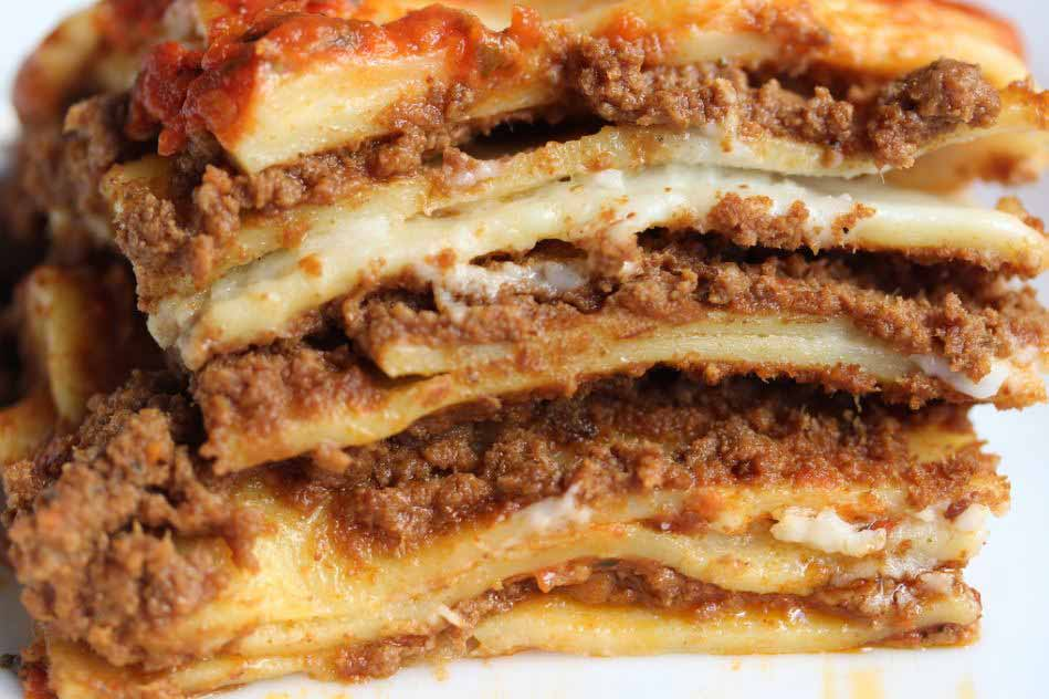 top-10-italian-food-popular-famous-must-try-chicken-lasagna
