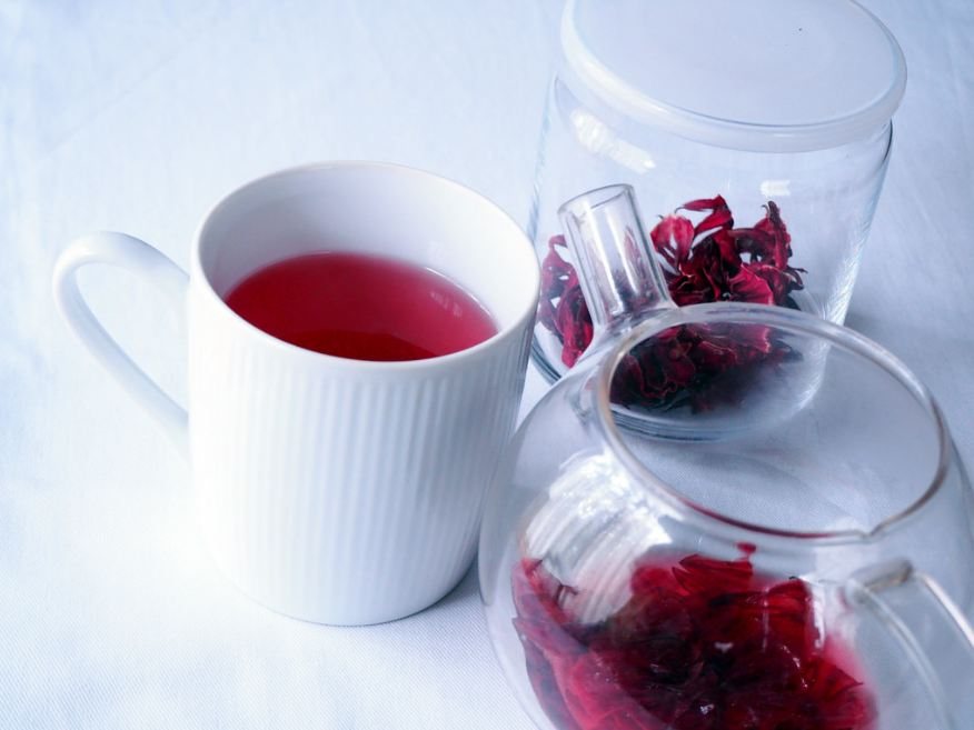 all-types-of-flowers-teas-infused-herbal-tea (5)-hibiscus