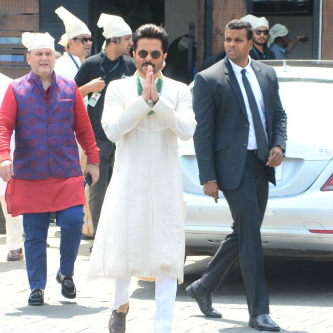 anil-kapoor-father-of-bride-sonam-kapoor-latest-newly-wed