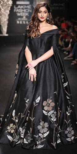 designer-de-belle-floor--touching-sleeves-fashion-dictionary-terms-terminology-types-of-sleeves