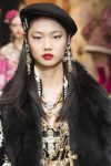latest-head-accessories-designer-dolce&gabbana-cool-hats-trends-fashion-berets-fw18