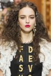 latest-head-accessory-trends-designer-dolce&gabbana-hair-pins-trends-fw18