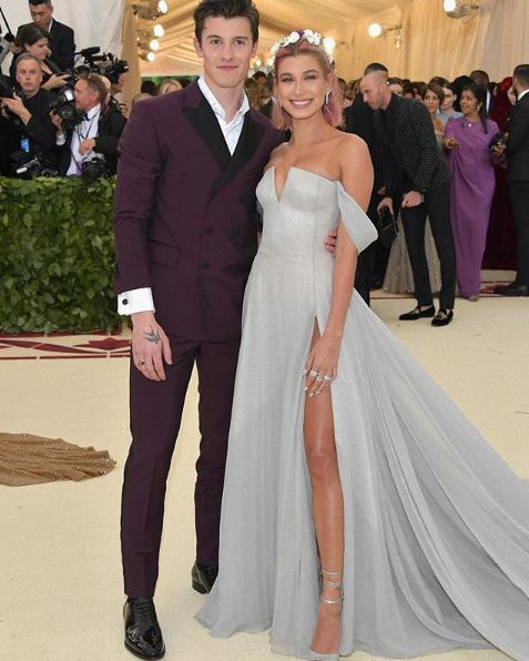 met-gala-2018-fashion-celebrity-style (13)-hailey-baldwin-shawn-mendes