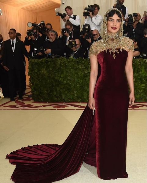 met-gala-2018-fashion-celebrity-style (15)-priyanka-chopra